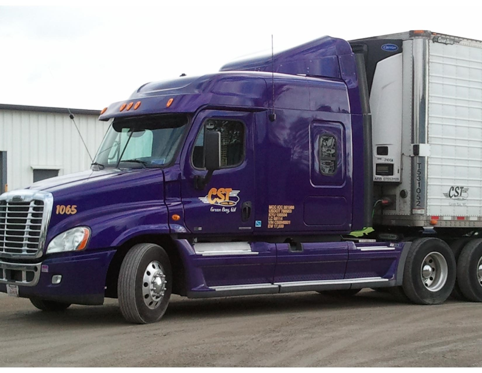 Front of Truck - CST Lines, Inc. Green Bay, WI
